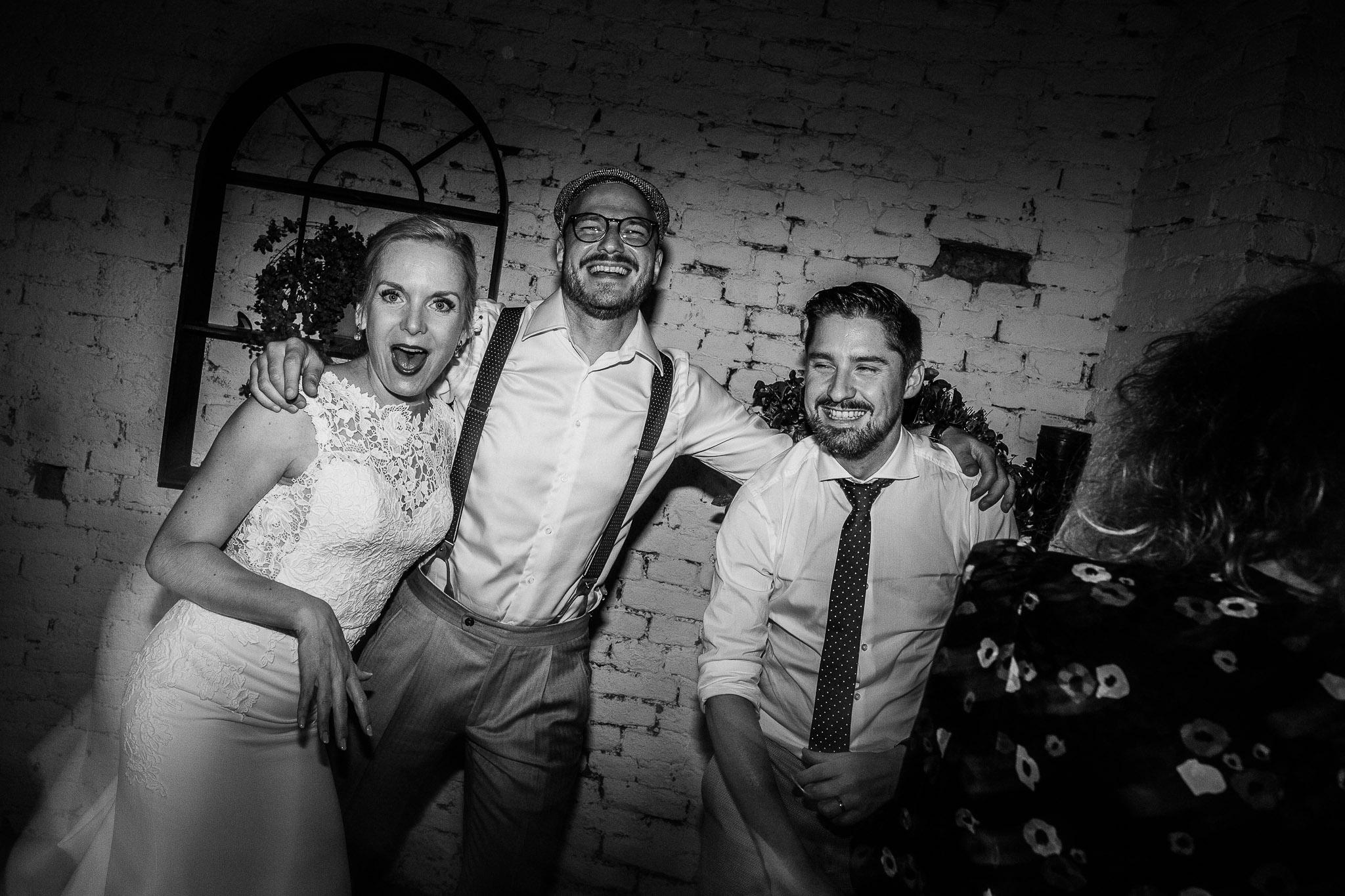 Wedding party with dances and music at La Villa Hotel, Mombaruzzo