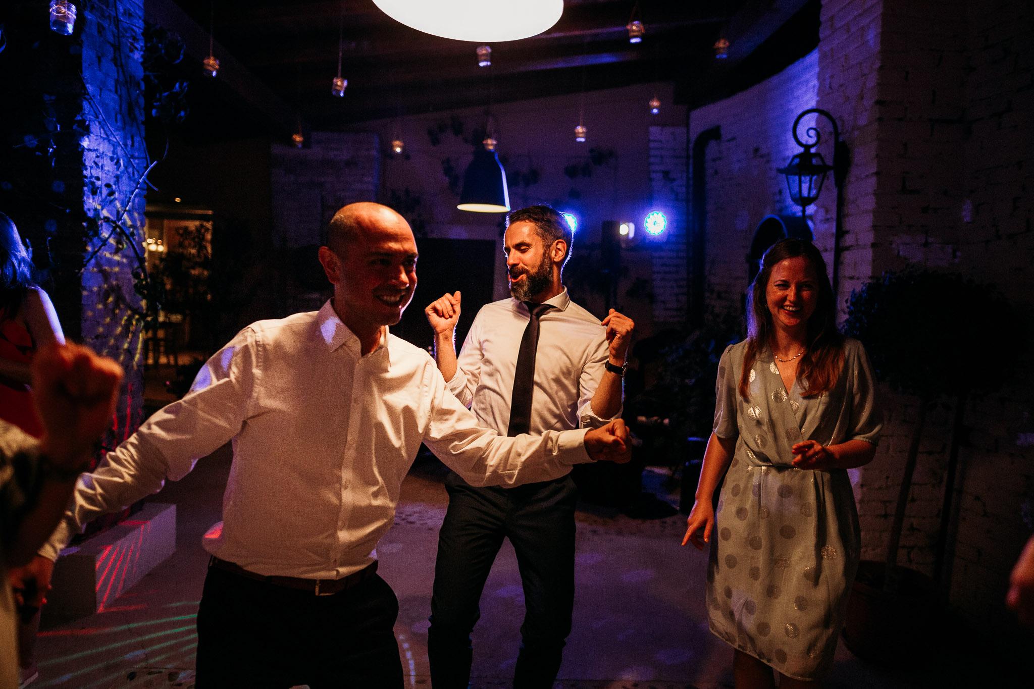 Dancing and partying at La Villa Hotel, Mombaruzzo