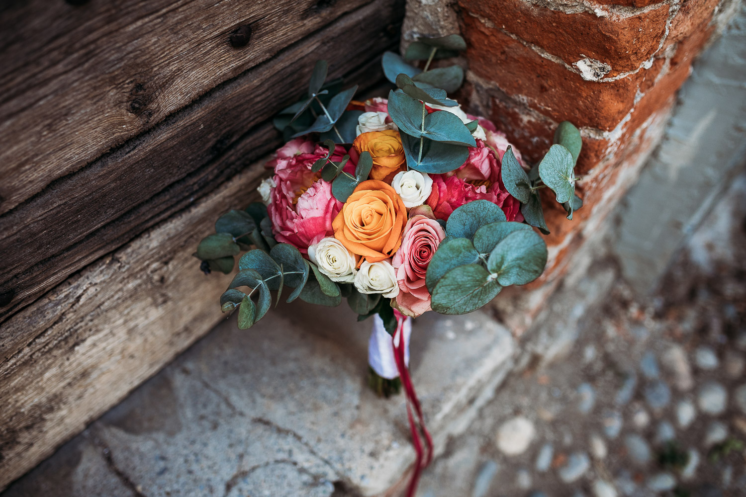 Strong colors bouquet for a wedding in Priero