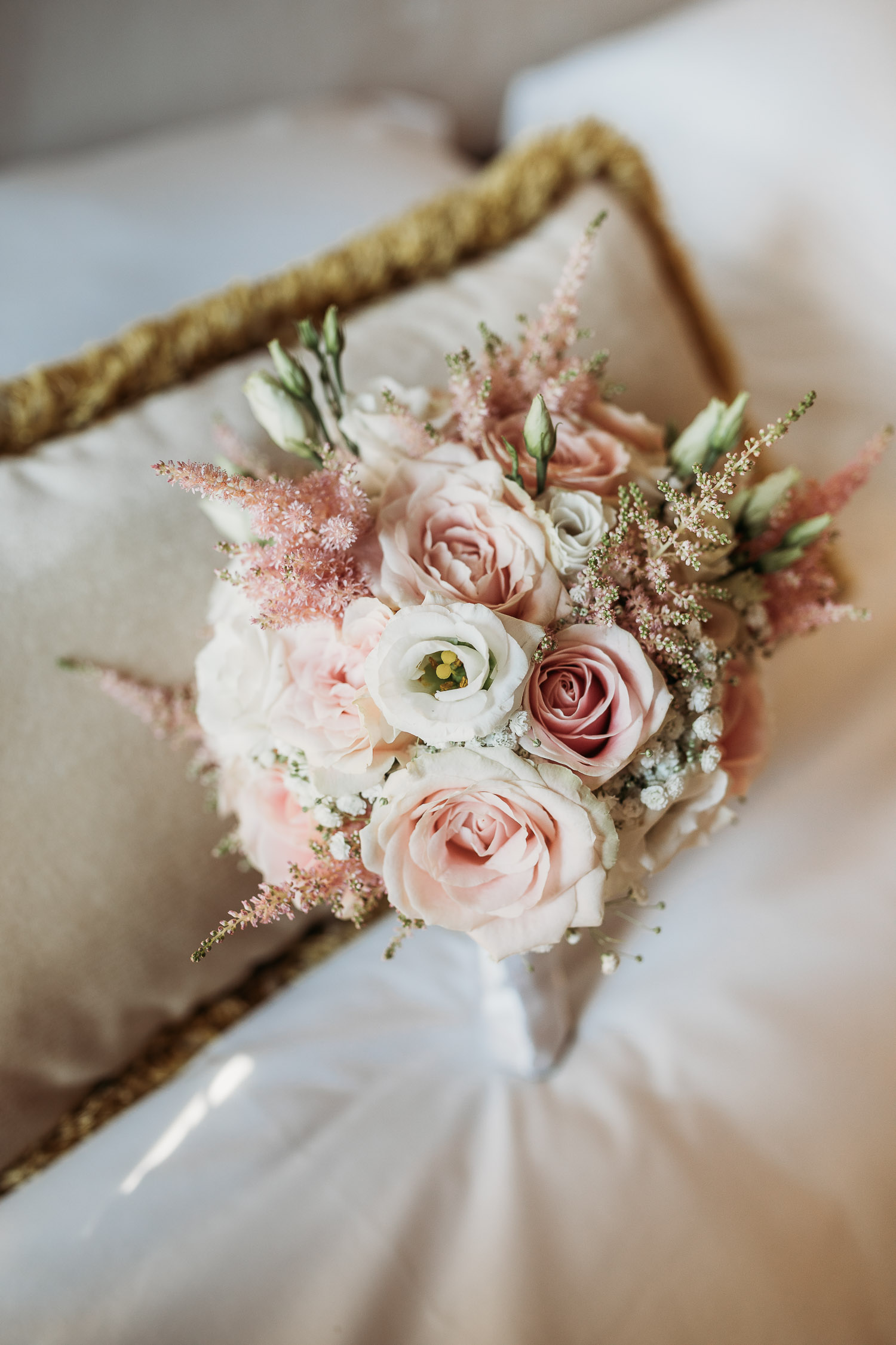 Classic pink and white round wedding bouquet