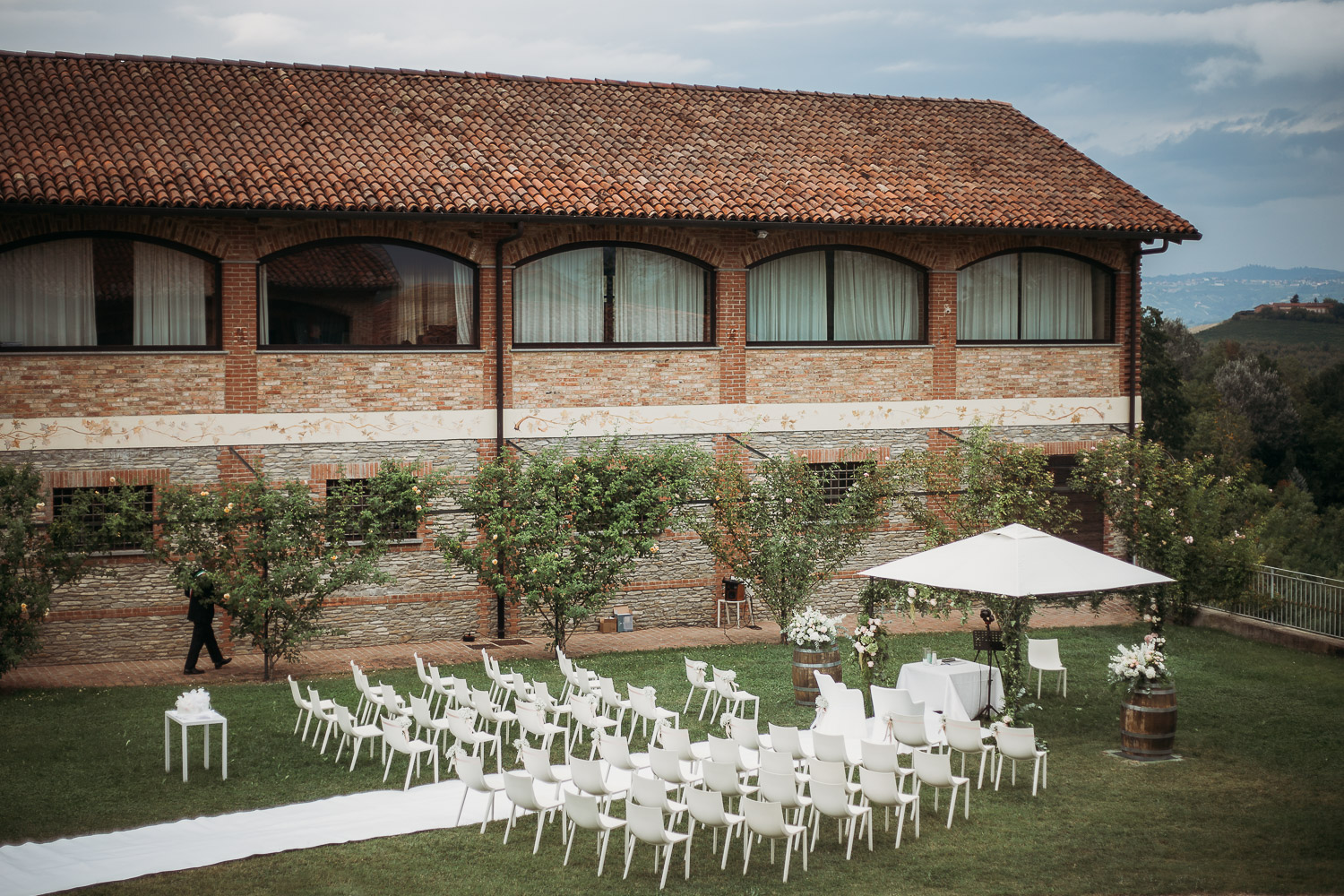 Civil ceremony setting at Tenuta Carretta in Piobesi d'Alba