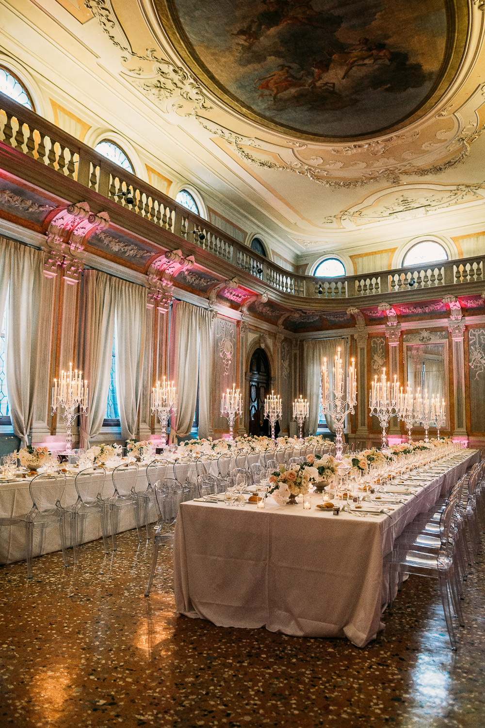 Colorful light effect for a wedding in Hotel Monaco Grand Canal in Venice